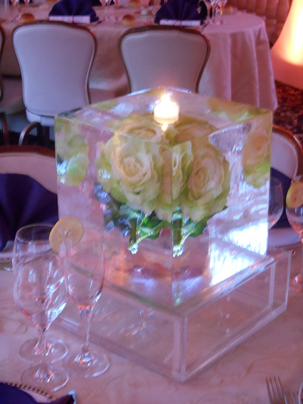 Flower-Freeze-In-Centerpieces8