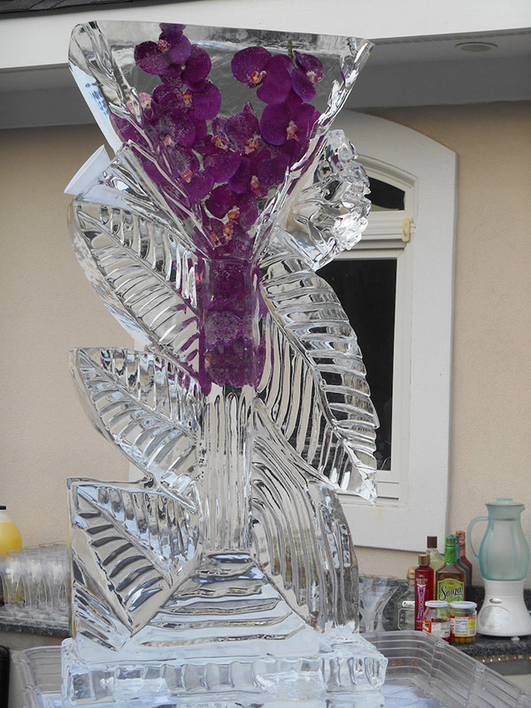 Martini-Glass-with-Freeze-Ins