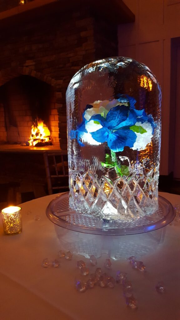Blue & White Freeze In Centerpiece
